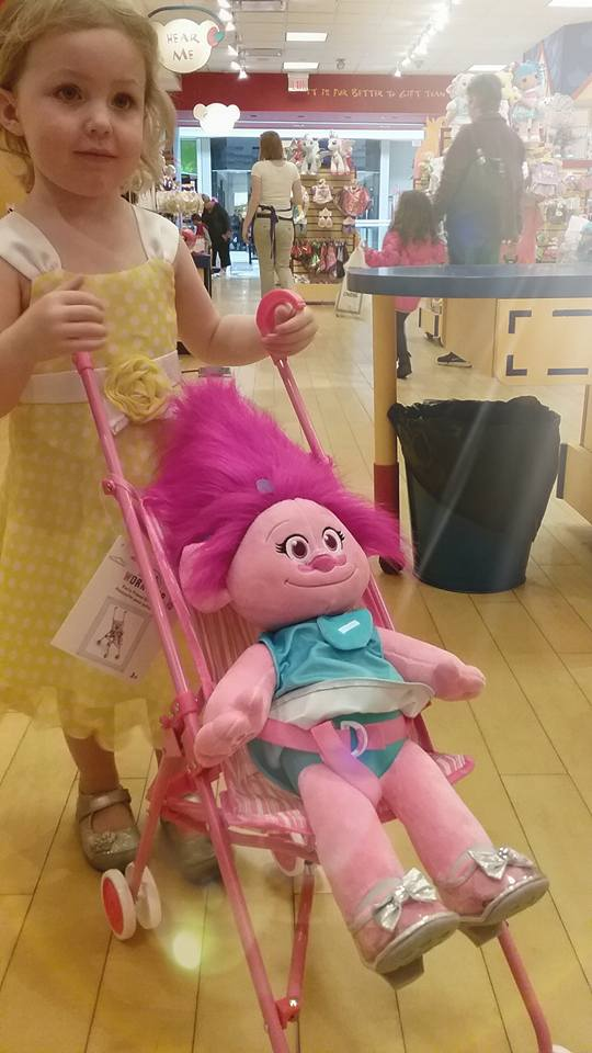 she loves trolls