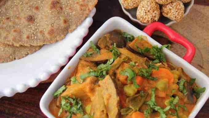 Bhogichi Bhaji (Traditional maharashtrian mix vegetable curry)