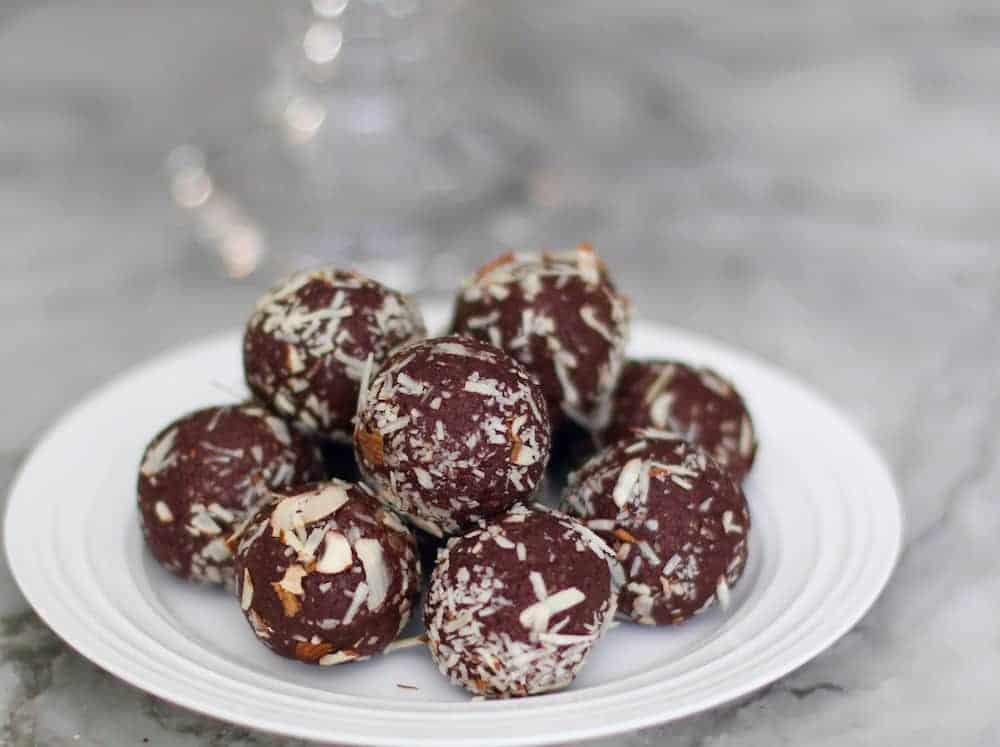 quinoa-almond-date-truffles-2