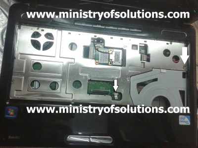 How to open toshiba L510 System Unit