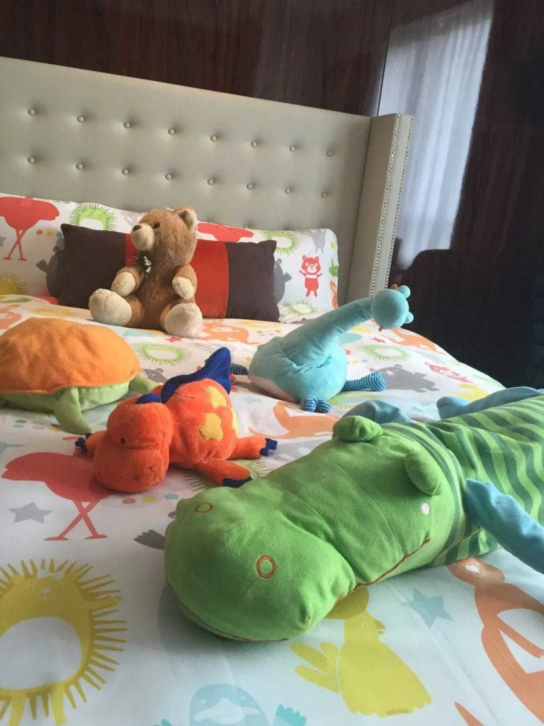The 2 double beds were ladened with cute animal teddies which I thought was a lovely touch as immediately Eva was reminded of her bed at home.