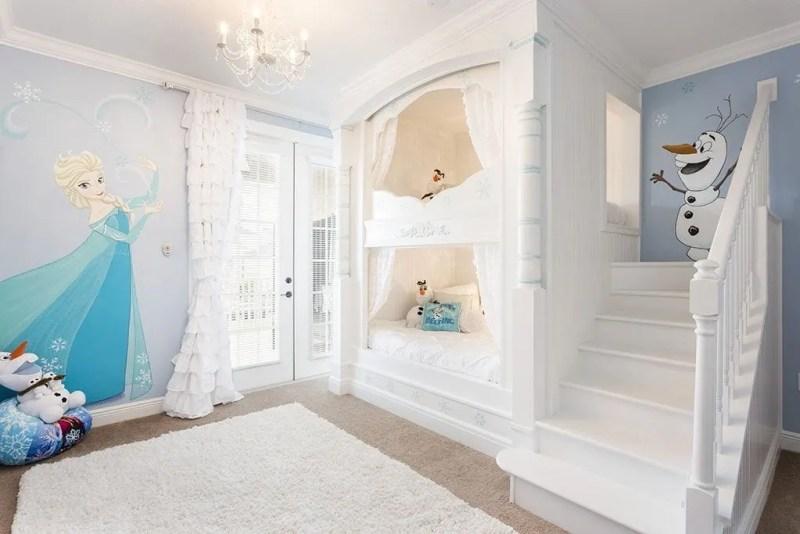 Reunion Resort 700's Frozen bedroom