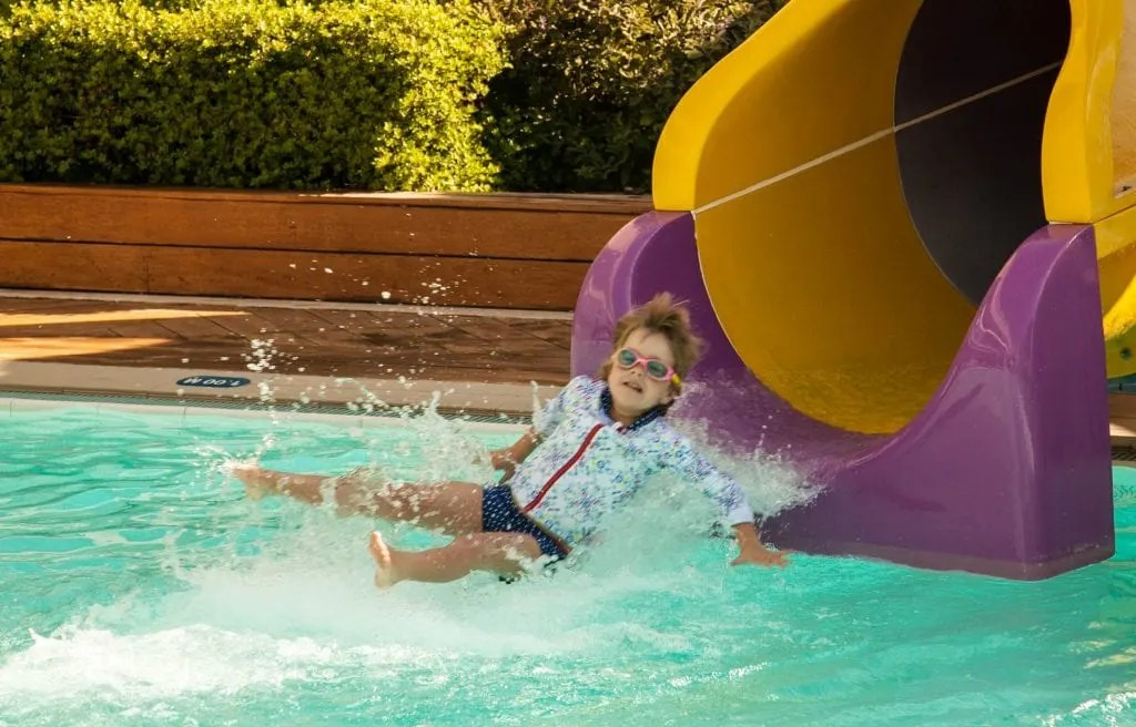 Top Tips for Visiting Water Parks with Kids www.minitravellers.co.uk