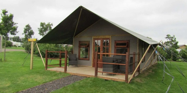 Crealy Meadows - Safari Tent Glamping in Devon www.minitravellers.co.uk