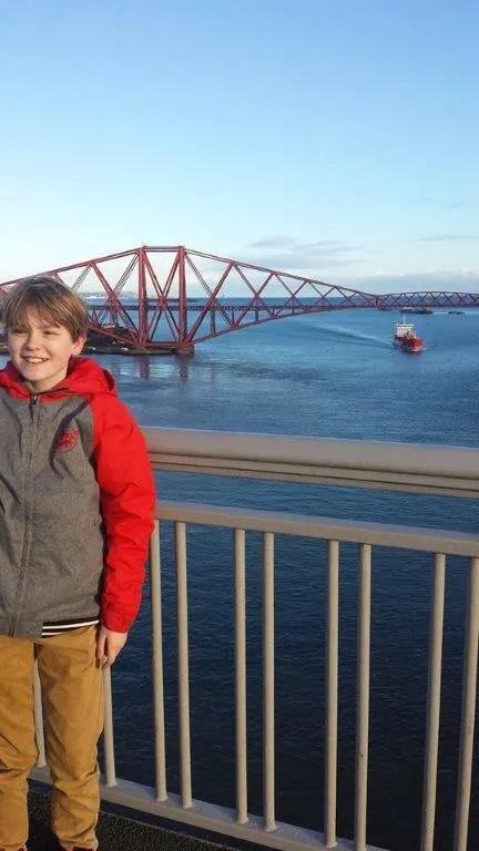 forth bridge + child-1