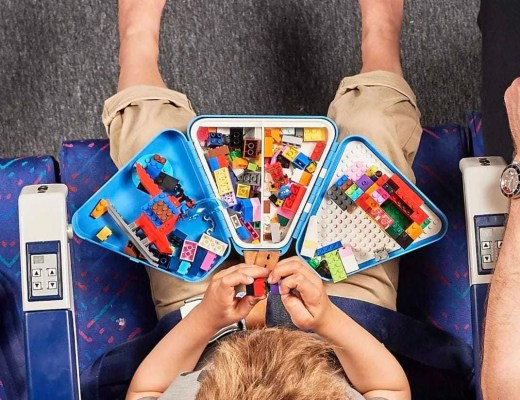 Review   Teebee - The Travel Toy Box