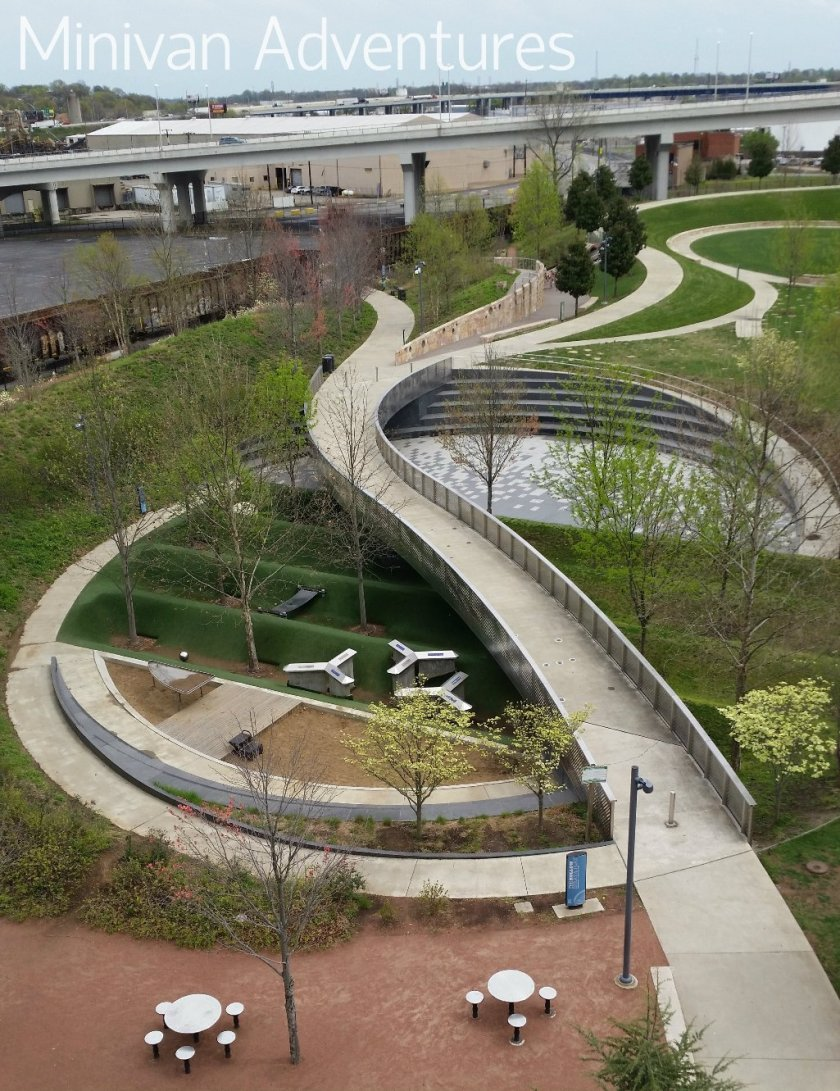Cumberland Park was a great place for a picnic. It features unique play areas, easy access to the pedestrian bridge, and great views.