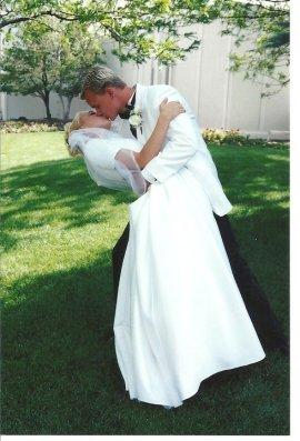 Dave and Jesi Wedding Kiss