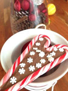 Candy Cane Chocolate Hearts: Cute & Easy Gift to Make