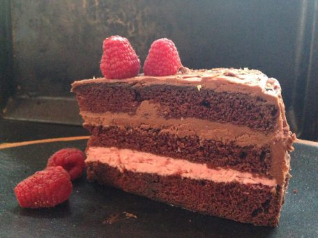Chokoladekage med hindbærcreme