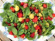 Salat med danske jordbær