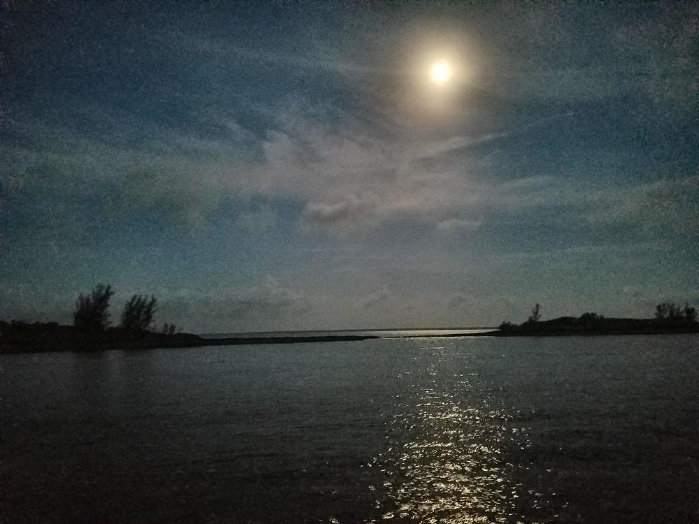Full moon morn of 61117