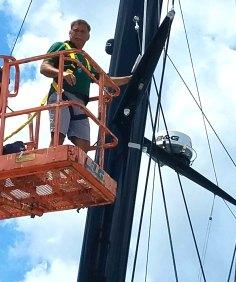 7717 Mike King TMI work on mast2