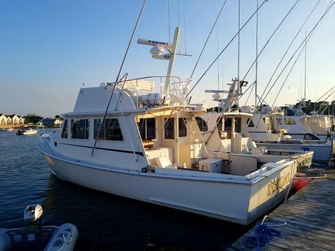 Average size sport fishing boat