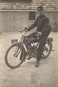 Dirk Vis, postbezorger