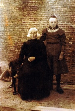 Antje  Ennema-Dijkstra met haar dochterAfke