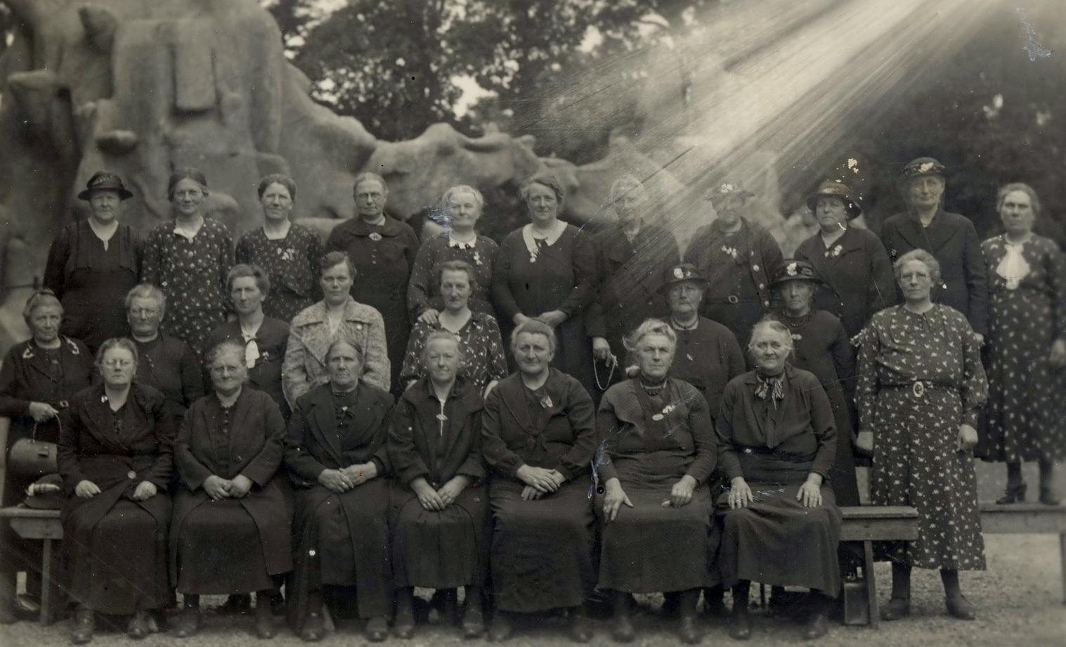 Vrouwen-dierentuin-Emmen-Akke-H-Groeneveld-web