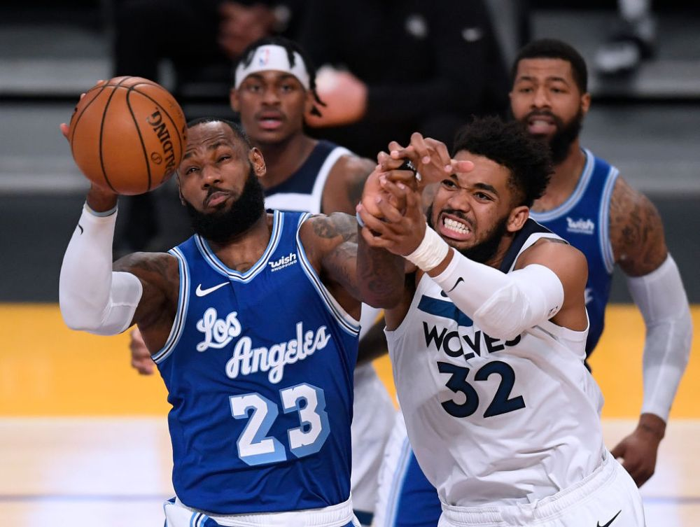 LeBron James Gets 99th Triple-Double As Lakers Beat Wolves, 137-121 - Path  of Ex