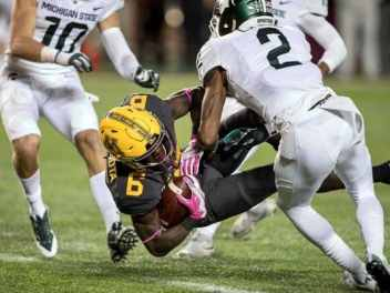 Gophers 4th Quarter Comeback Falls Short; Demry Croft Provides Hope