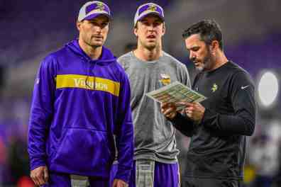 Stefanski Wants Out; Mularkey Lead Candidate for Vikings OC Job