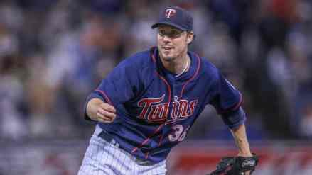 Joe Nathan Gets a Hall Call from Twins