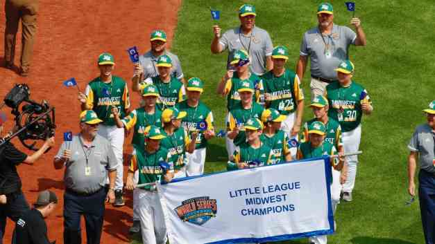 Minnesota Wins 1st Game in Little League World Series