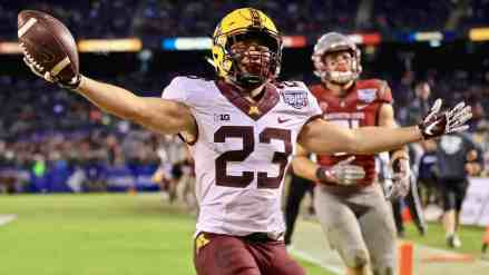 Dear Gopher OL: The Best Backfield in the NCAA Needs to FEAST… So Be Better
