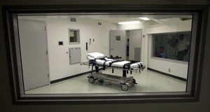 Alabama's lethal injection chamber at Holman Correctional Facility in Atmore, Ala., is pictured in this 2002 photo. (AP file photo)