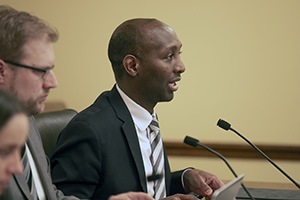 Rep. Mohamud Noor, DFL-Minneapolis, presents his House File 1679, which among other provisions would prohibit access to many juvenile hearings and records from the public. (Staff photo: Kevin Featherly)