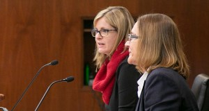 Rep. Kelly Moller, DFL-Shoreview (left) presents her bill, House File 3007, to House Judiciary committee members on Wednesday. Attorney Annamarie Daley, who chaired the State Bar ad hoc committee that worked up the bill, appears at right. (Staff photo: Kevin Featherly)