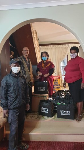 The MF Distributes Food Hampers to Chatsworth Residents in Need During the COVID-19 Lockdown