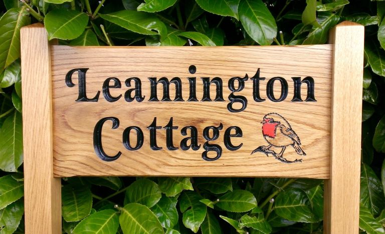 Freestanding_Ladder_Signs_-_Leamington_Cottage_with_Red_Robin
