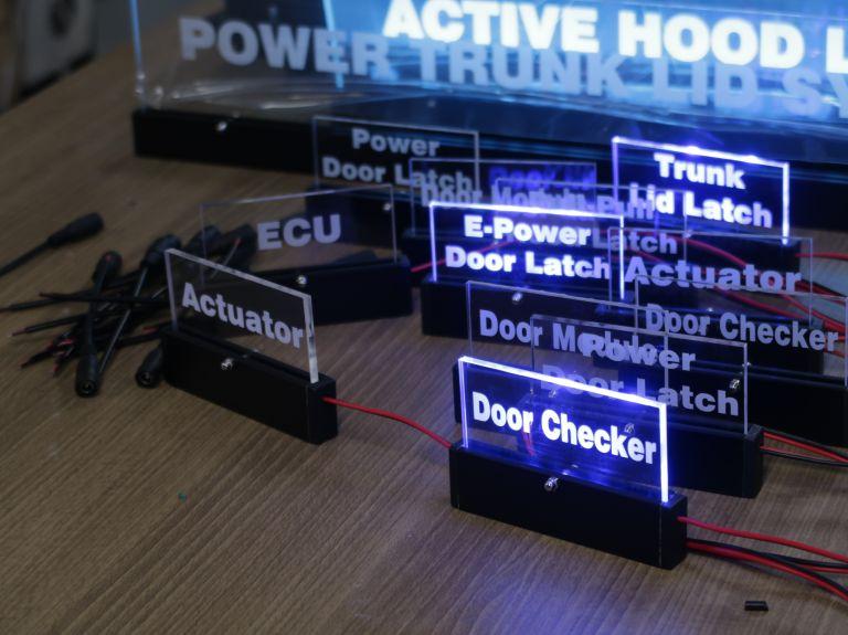 검정 아노다이징 아크릴 LED 사인 프레임
