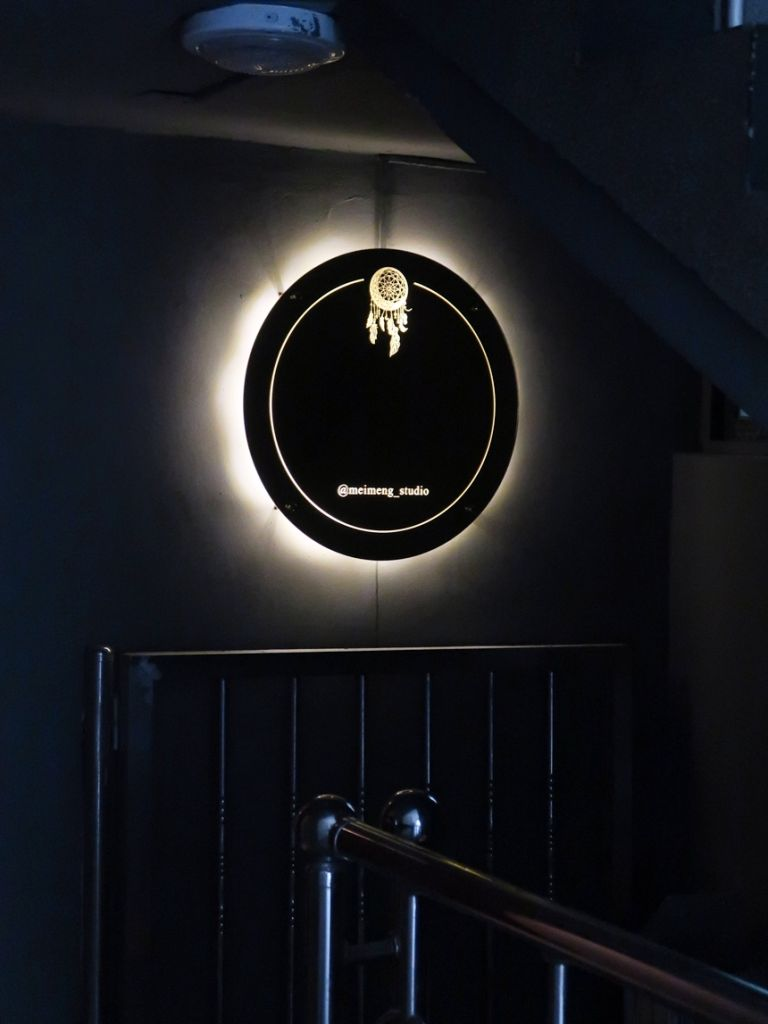캠핑문패 , 옷가게간판 , 포인트간판 캠핑문패 , 옷가게간판 , 포인트간판 실내간판 골드미러 거울간판 038외부간판 간판제작 LED간판 LED사인 거울사인  안내문사인