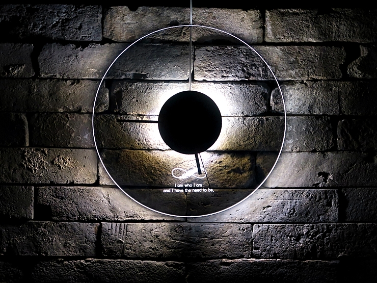 오로라 시계 조명시계 투명시계 011 IMG 6647 다이크로익 벽시계 시계선물 시계조명 주문제작시계
