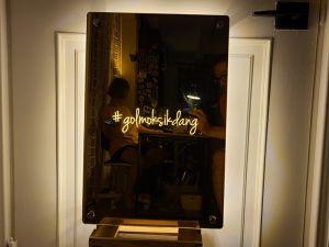 후광간판 LED거울 거울간판 LED조명거울 011 셀카존 포토존 미러사인 거울후광 후광사인 거울디자인