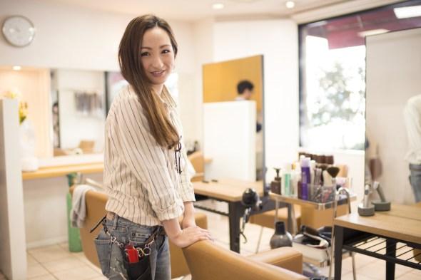 カットモデルを募集する美容師