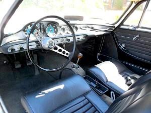 67 Volvo P1800S