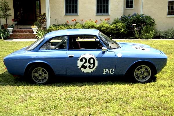 74 Alfa Romeo race car