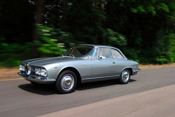 1961 Alfa Romeo 2000 Sprint fr