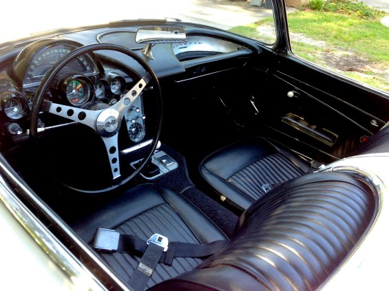 1962 Corvette int