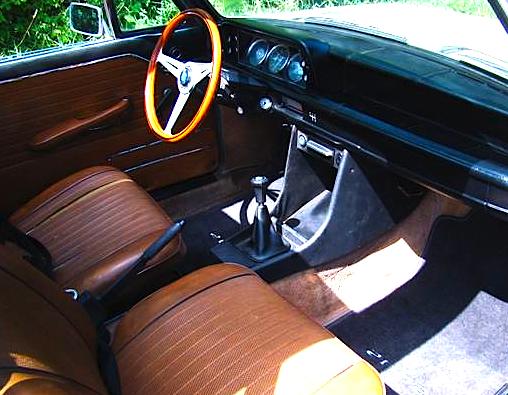 71 BMW 2002 int