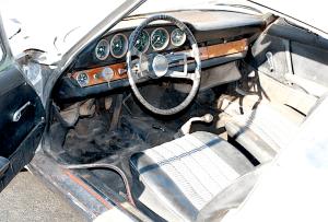 65 Porsche 911 int