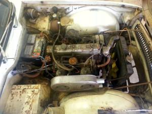 69 Triumph TR6 eng
