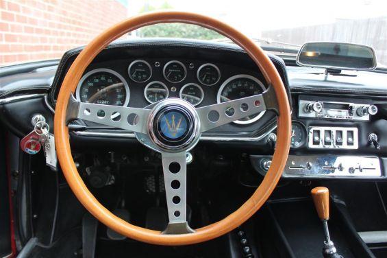 68 Maserati Mistral dash
