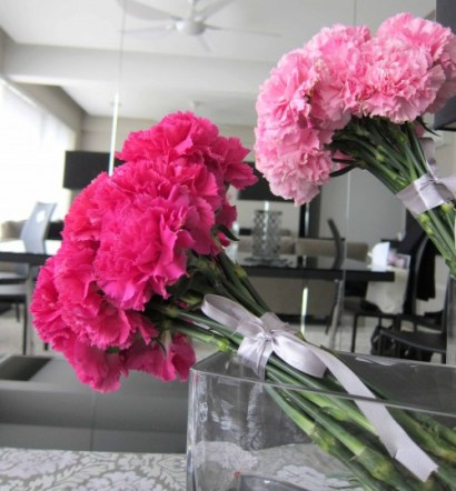 Magenta Silver Tablescapes