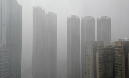 Typhoon Utor rains on Hong Kong