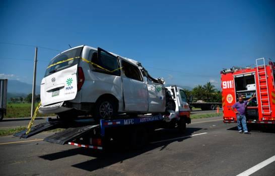 Empleados públicos y médicos estadounidenses, entre los fallecidos en accidente en Bonao