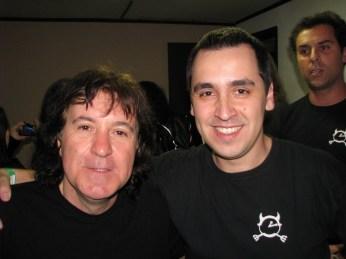 Simon Wright e Eduardo (Rolf ao fundo)