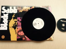 BlackSabbath_Vol4_04